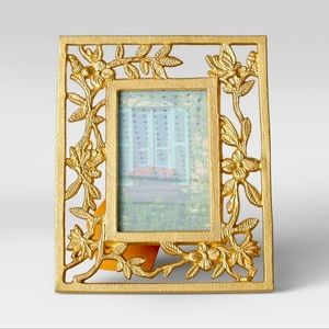 """Opalhouse Gold Metal Feather Frame 4x6"""""""